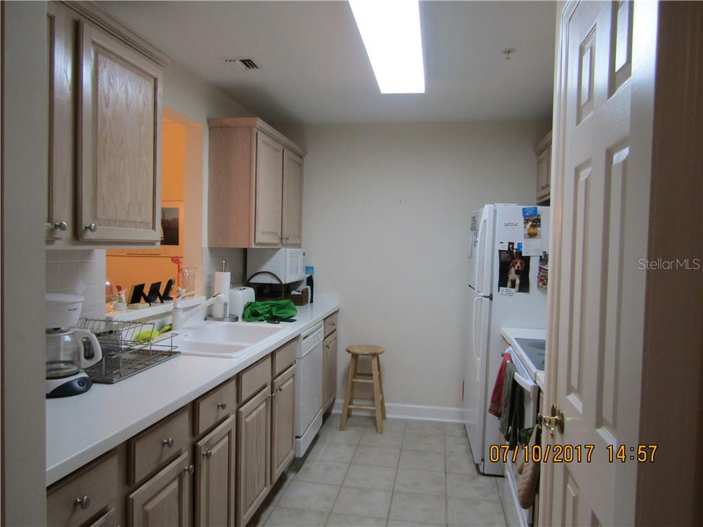 Kitchen - Condo for sale at 750 N Tamiami Trl #1108, Sarasota, FL 34236 - MLS Number is A4190640