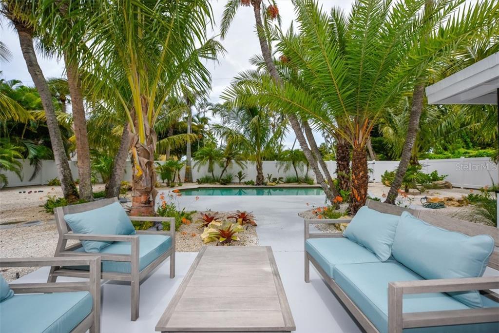 Additional photo for property listing at 47 N Washington Dr 47 N Washington Dr Sarasota, Florida,34236 Estados Unidos