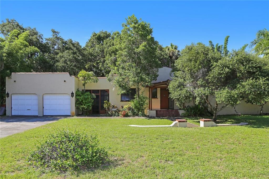 Single Family Home for sale at 1710 Vamo Dr, Sarasota, FL 34231 - MLS Number is A4193717