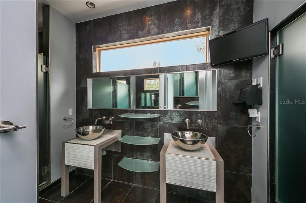 Additional photo for property listing at 4035 Bay Shore Rd 4035 Bay Shore Rd Sarasota, Florida,34234 United States