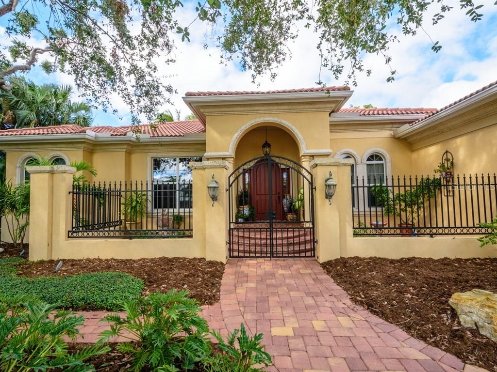 Mold Disclosure - Single Family Home for sale at 7654 Cove Ter, Sarasota, FL 34231 - MLS Number is A4201743