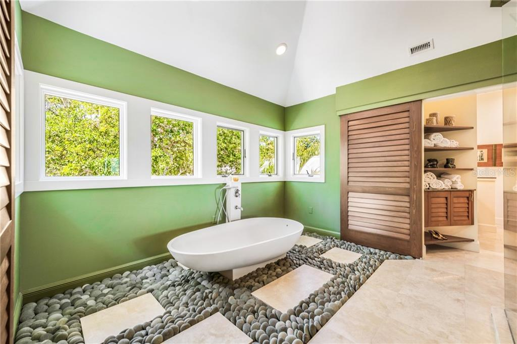 Single Family Home for sale at 5131 Jungle Plum Rd, Sarasota, FL 34242 - MLS Number is A4208027