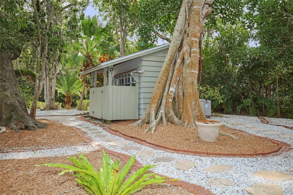 Single Family Home for sale at 5165 Jungle Plum Rd, Sarasota, FL 34242 - MLS Number is A4209348