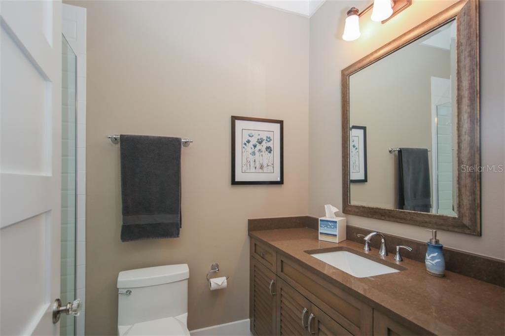 Bathroom 2 - Single Family Home for sale at 4847 Primrose Path, Sarasota, FL 34242 - MLS Number is A4415116