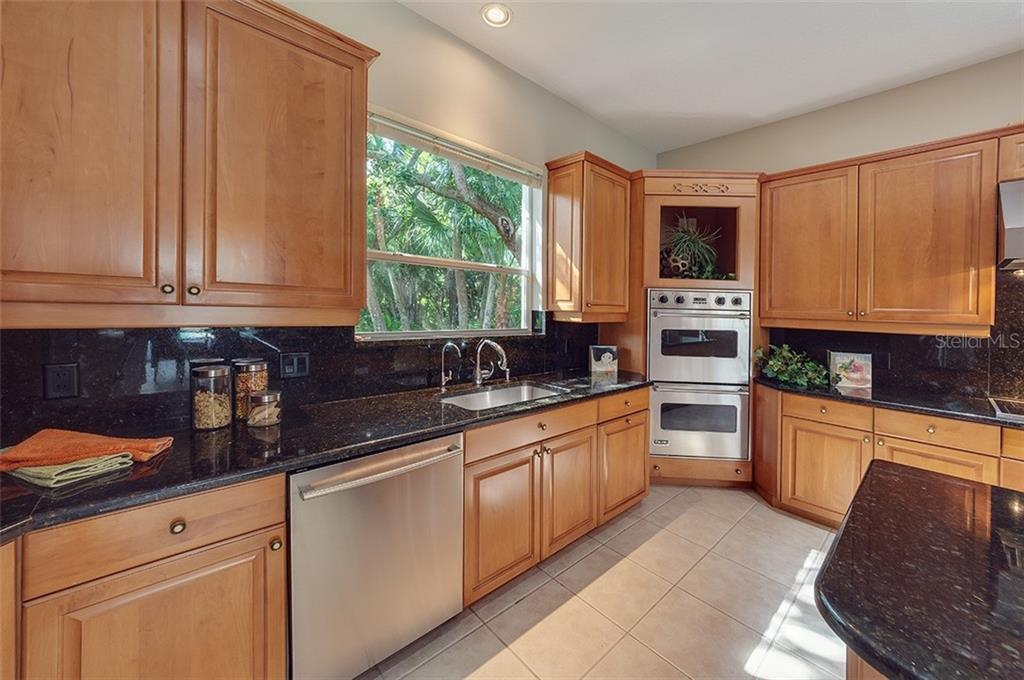 Built-in double oven. - Single Family Home for sale at 2972 Jeff Myers Cir, Sarasota, FL 34240 - MLS Number is A4424133