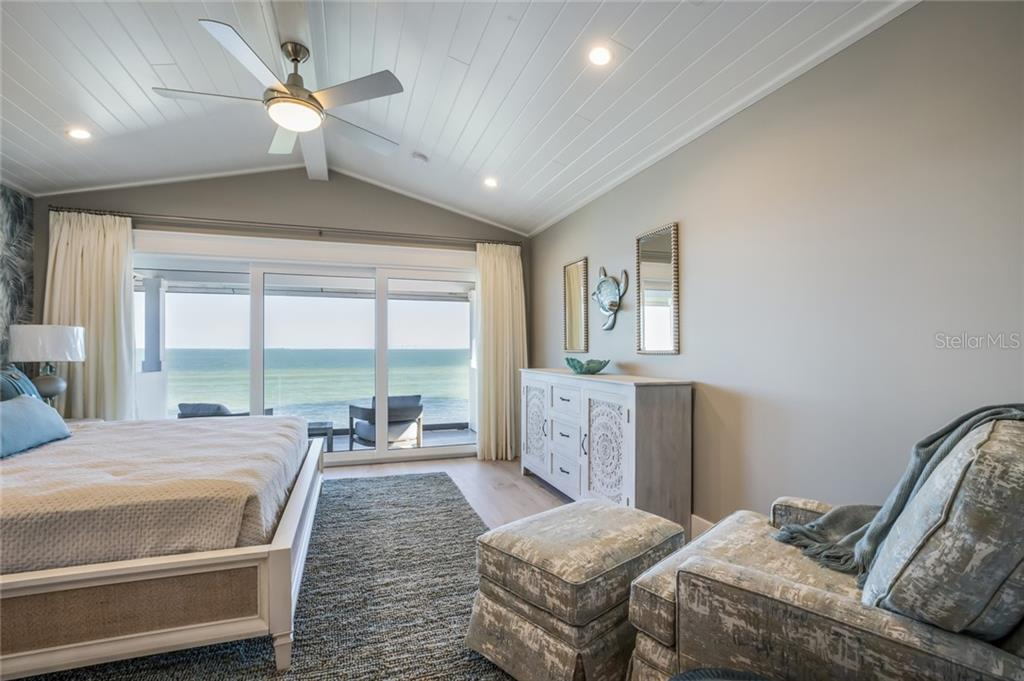 Single Family Home for sale at 816 S Bay Blvd, Anna Maria, FL 34216 - MLS Number is A4430206