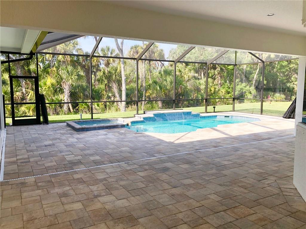 Single Family Home for sale at 15719 42nd Gln E, Parrish, FL 34219 - MLS Number is A4433944