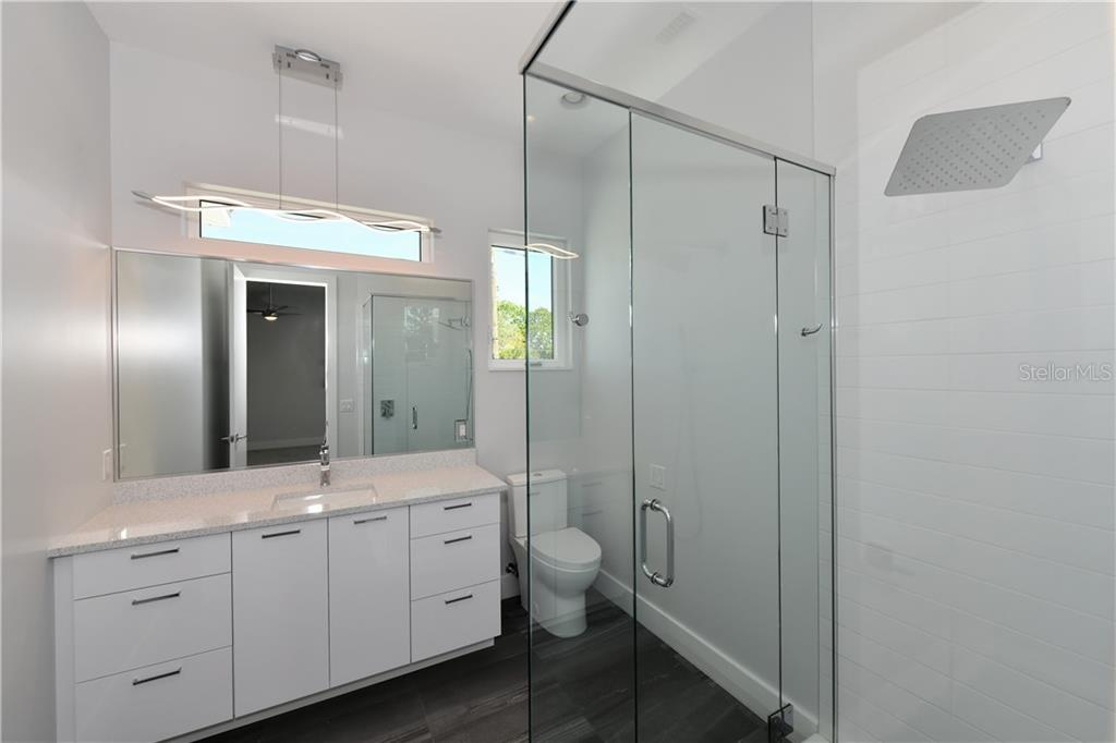 Master Bath - Single Family Home for sale at 4866 Commonwealth Dr, Sarasota, FL 34242 - MLS Number is A4437382