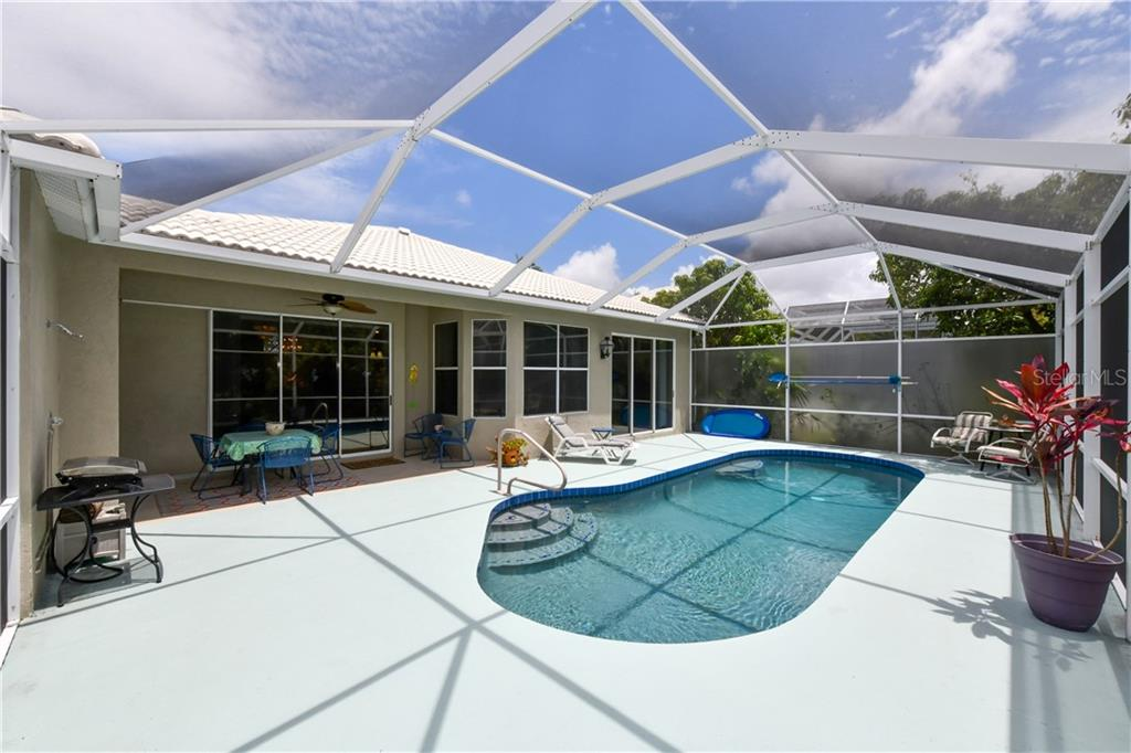 Single Family Home for sale at 4074 Via Mirada, Sarasota, FL 34238 - MLS Number is A4439141