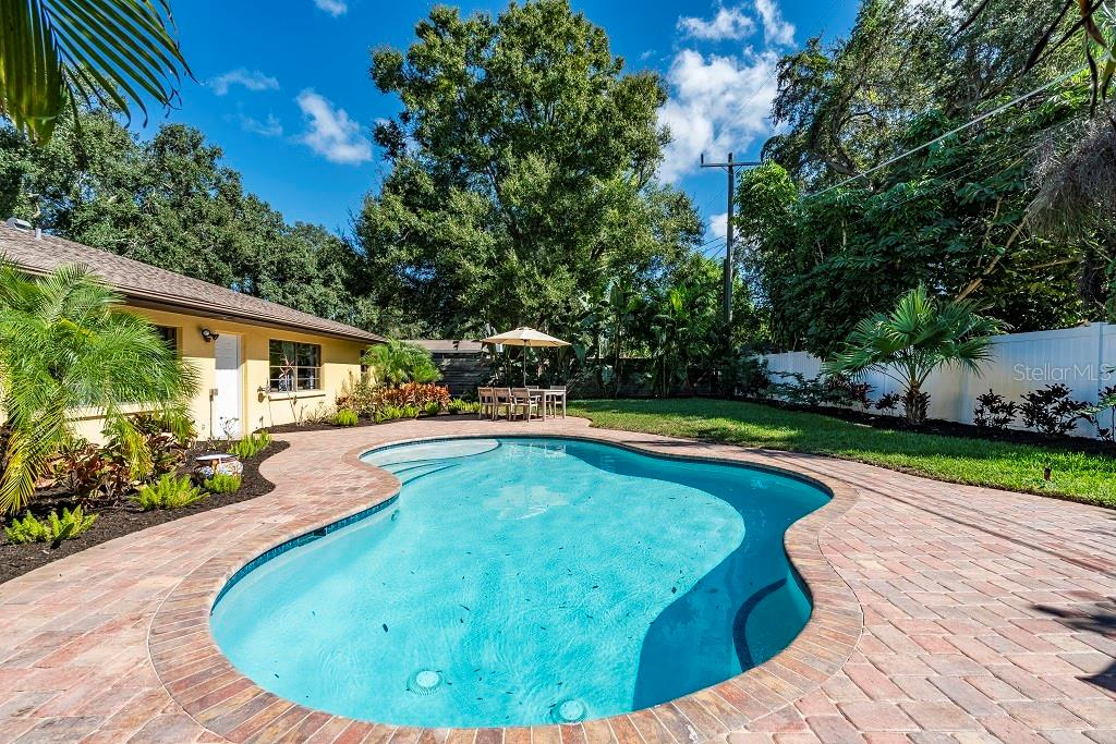 Single Family Home for sale at 7915 2nd Ave W, Bradenton, FL 34209 - MLS Number is A4449571