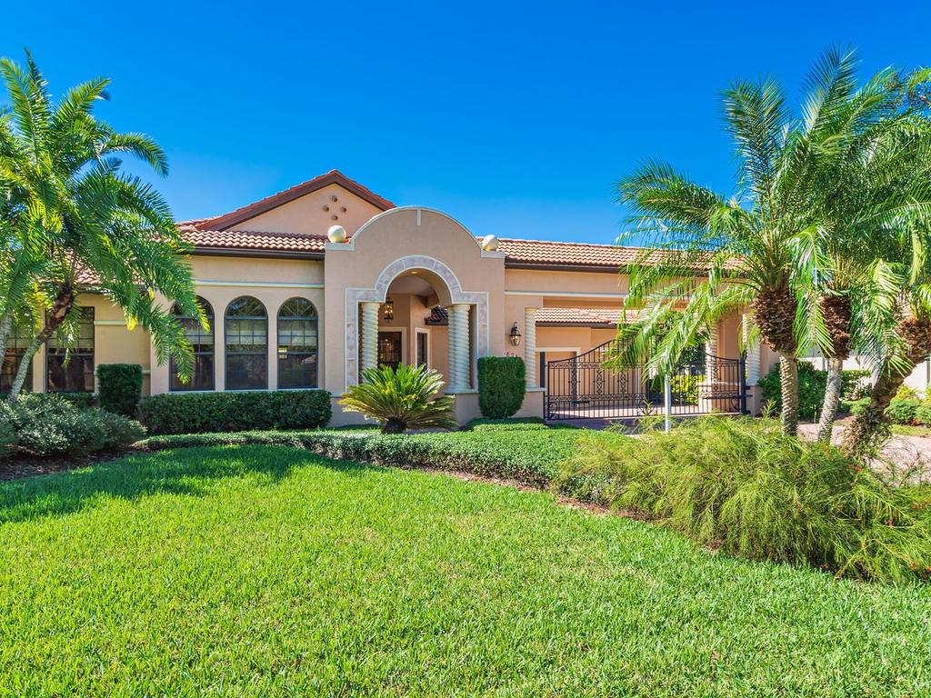 Front of home - Single Family Home for sale at 6826 Turnberry Isle Ct, Lakewood Ranch, FL 34202 - MLS Number is A4450601