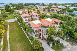 4005 4th Ave, Holmes Beach, FL 34217