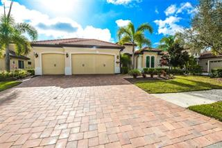 15320 Helmsdale Pl, Lakewood Ranch, FL 34202