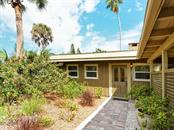 3424 Old Oak Dr, Sarasota, FL 34239