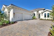 7908 Matera Ct, Lakewood Ranch, FL 34202