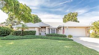 441 Lake Of The Woods Dr, Venice, FL 34293