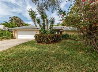 462 Lake Of The Woods Dr, Venice, FL 34293